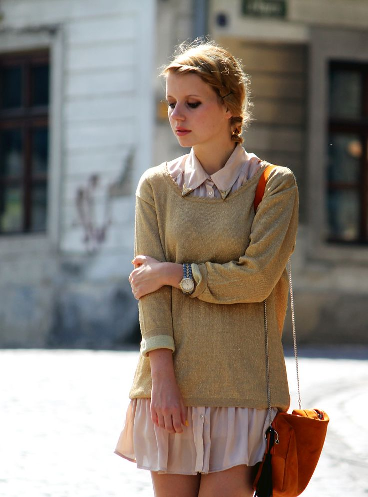 great way to transition skirts into fall!