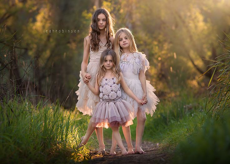 Sisters ©Leah Robinson Photography