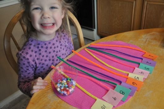 Preschool Math with Beads: Help preschooler identify numbers of beads with the written number. Using fine motor skills, tactile learning to feel the number with visual learning, gr8 activity!