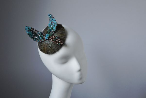 fascinator with feathers and beads   www.lucjazajac.com