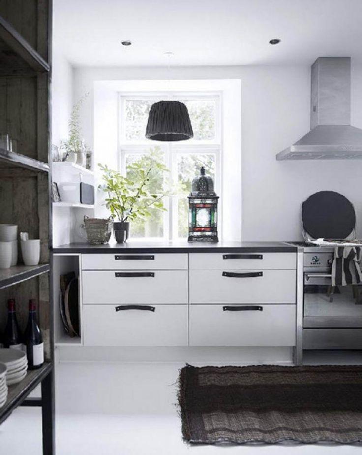 Tine K lampa som skulöle passa i köket ovanför diskbänken...