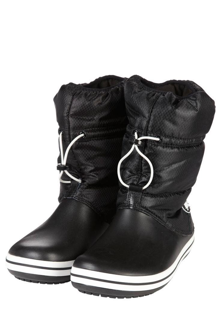 Venda Crocs / 7938 / Crocs Mulher / Botas Clássicas / Botas Crocband Winter Preto e Branco. De 60e por 24e.