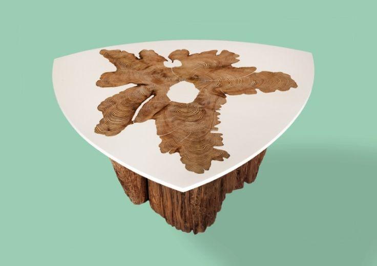 Couchtisch mit Holz Fuß und Harz Tischplatte  Wohnen