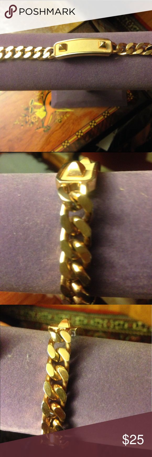 "Vince Camuto Rose Gold Chain Bracelet Vince Camuto Rose Gold Chain bracelet.            Size 7 1/2"" Vince Camuto Jewelry Bracelets"