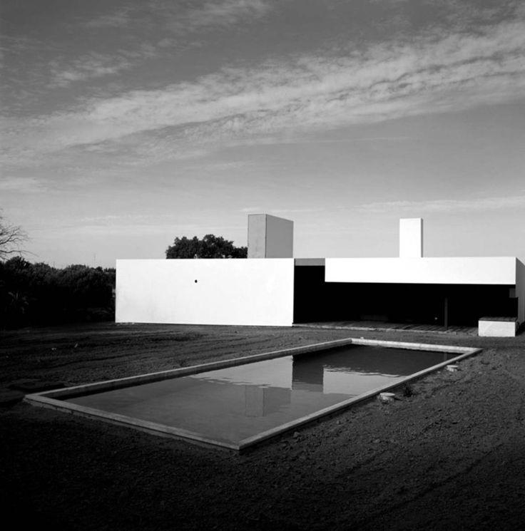 http://divisare.com/projects/15622-Ventura-Trindade-Arquitecto-Unip-Lda-Quinta-Em-vora