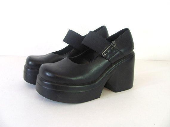 Vintage 90s Goth black platform shoes // 7 by dirtybirdiesvintage, $35.00