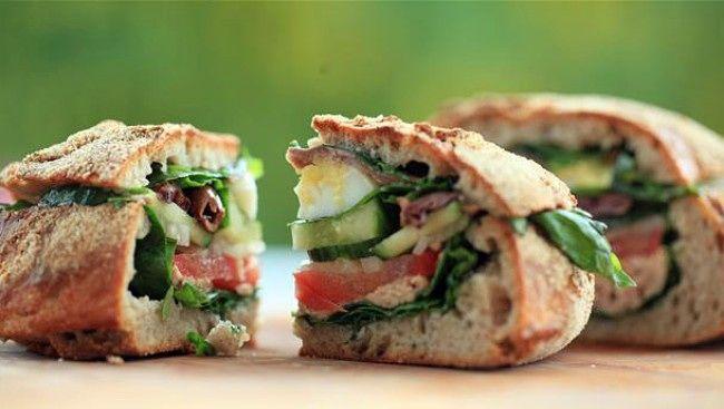 Pain bagnat, uthult brød med salat