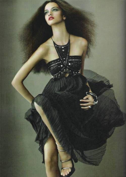 : Black Dresses, November 2011, Parties Dresses, Harpers Bazaars, Brazil November, Bazaars November, Marina Neri, Fashion Editorial, Bazaars Brazil