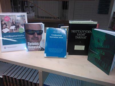 Tarinoita yrittäjyydestä kirjanäyttely Stories about Entrepreneurship Bookdisplay