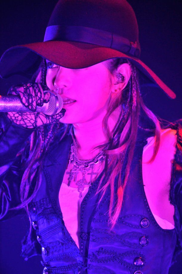 hyde of L'Arc~en~Ciel. Love him :*