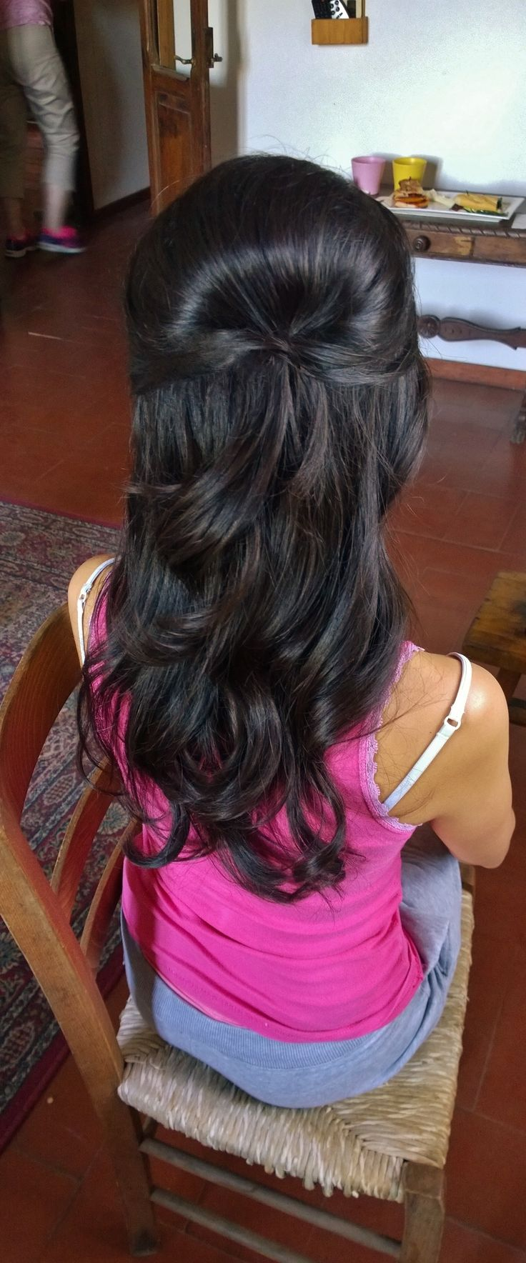 Italy wedding hair stylist and soft wavy half up wedding hairstyle by Janita Helova www.janitahelova.com