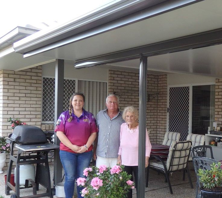 Ronnie and Mona were looking for an insulated patio to extend their alfresco area and keep them nice and cool in summer. They were lovely to work with and even made breakfast for the Stratco delivery driver!