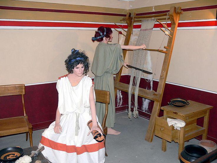File:Roman House - Frauen beim Weben.jpg
