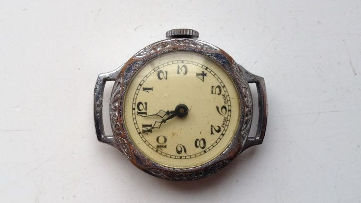 ON AUCTION ON SUNDAY 25 FEBRUARY FROM 8pm....LADIES ANTIQUE SWISS MADE MANUAL WIND WATCH SELLING FOR PARTS SPARES OR REPAIRS