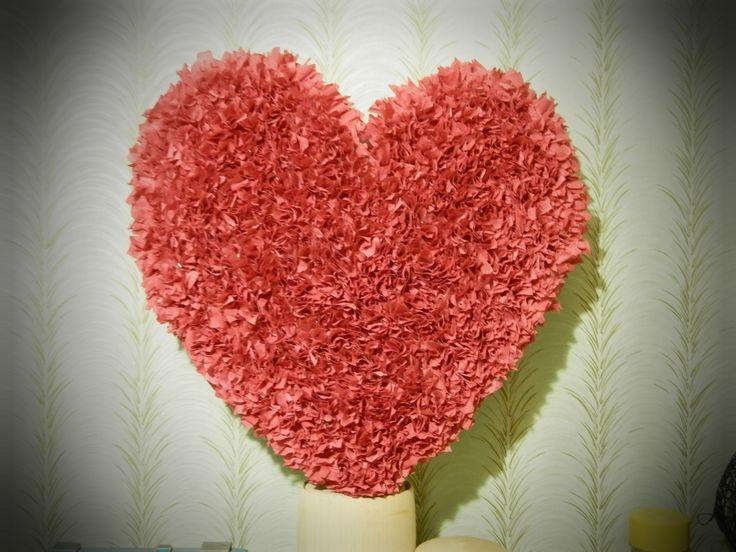 сердце , как признание в любви. есть возможность дополнить конфетами.по поводу заказа , пишите в личку