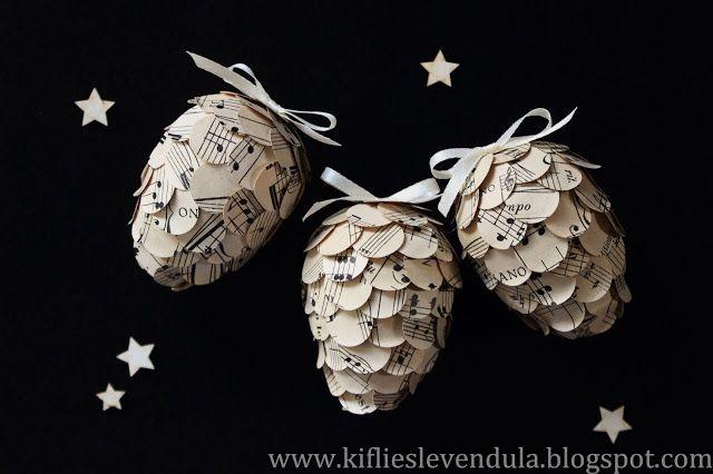 hechos con papel y huevos de tecnopor. el tutorial esta aqui: >>http://tinyurl.com/jlu7lmd