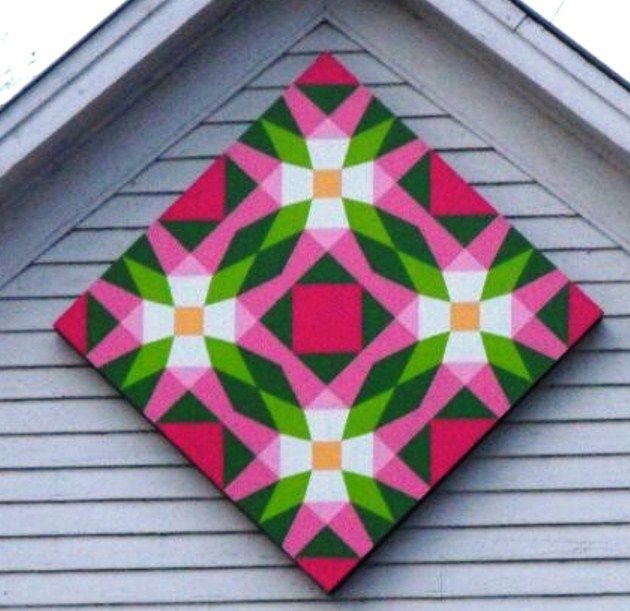 I've mentioned my recent interest in barn quilts, and when I came across this one several weeks ago…well, I immediately knew I had to turn the painted quilt square into reality! It&#821…