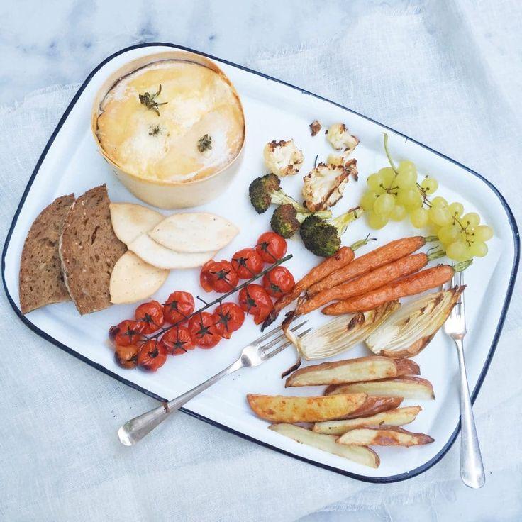 Kaasfondue mont d'or met lekkere groente bijgerechten via @madebyellen