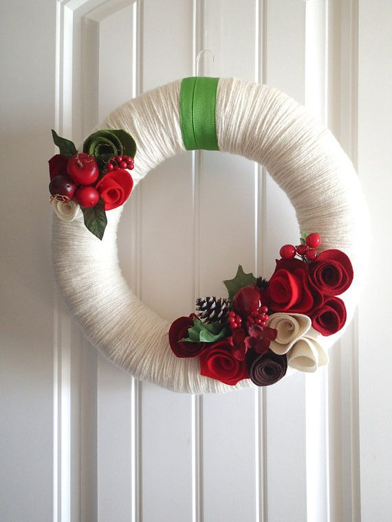 Romantic Christmas Wreath Red Roses & Berries on di saffronfields
