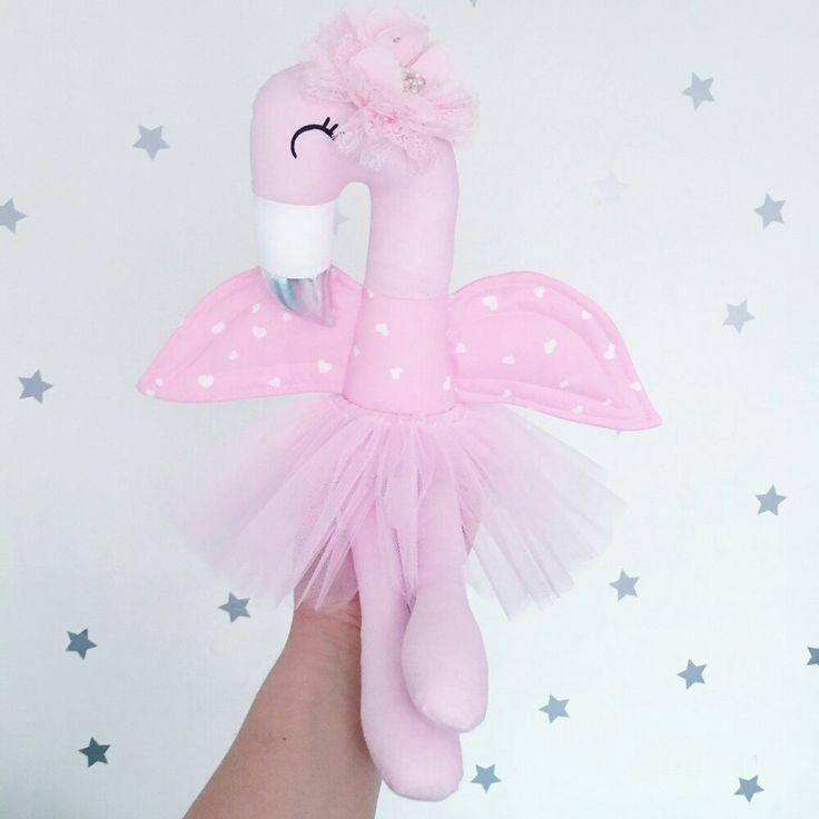 Loveeeee this handmade flamingo http://butterflybelle.bigcartel.com/product/lola-the-flamingo