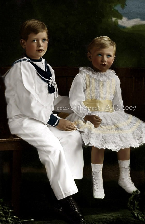 Prince George in sailor suit and Prince John (The Lost Prince)