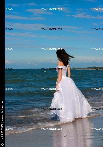 http://www.photaki.com/picture-young-near-blue-sea_1352315.htm