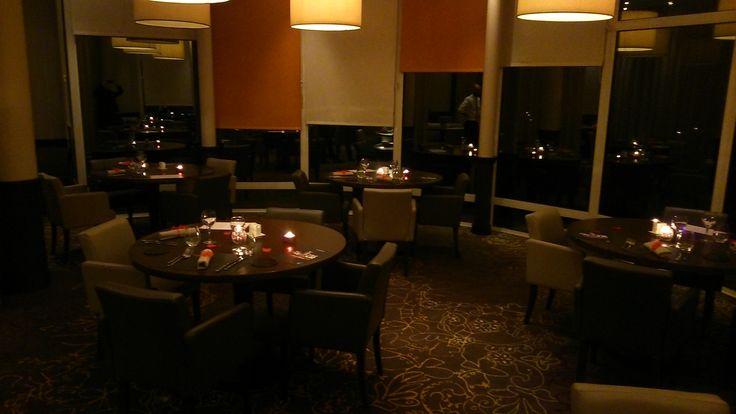 Restaurant menu Saint-Valentin à l'hôtel Novotel #ClermontFerrand http://www.hotel-novotel-clermontferrand.com/fr/offres-speciales/promotions/128-offres-saint-valentin.html