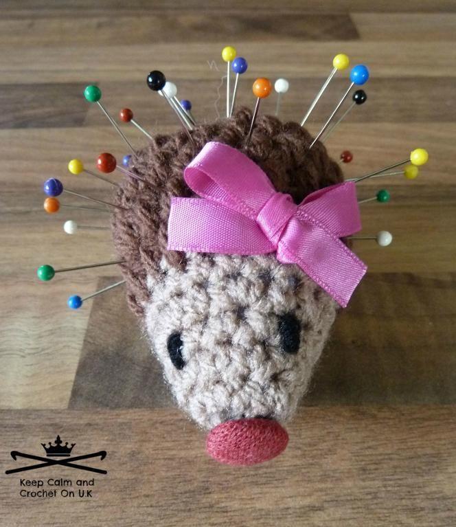 #Crochet hedgehog pincushion pattern via @becraftsy