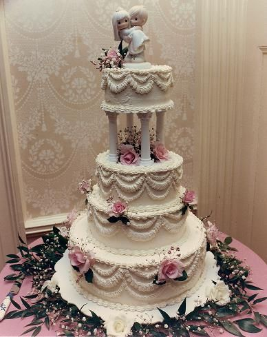 wedding cake top tier tradition 90 best images about precious moments on 26676