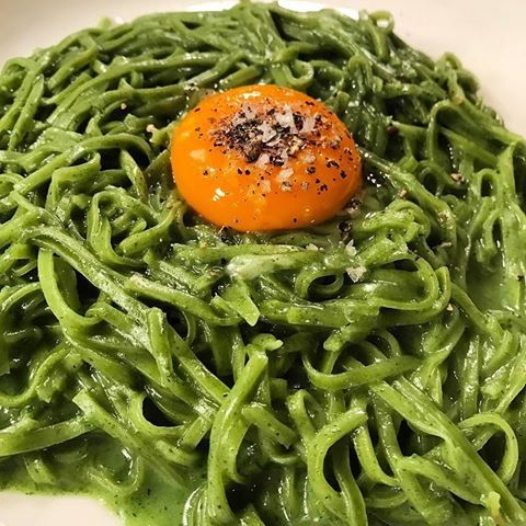 Who's been to @padella_pasta?? Love this Nettle pasta 📷 with a perfect egg yolk by @tazzgault. What's your favourite dish there?? #toplondonrestaurants #topcitybites