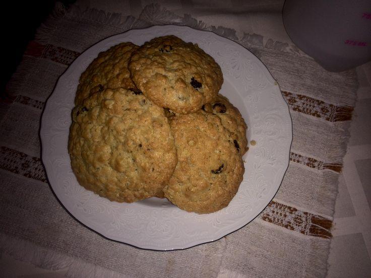 Овсяное печенье с изюмом / Простой рецепт хорошего настроения