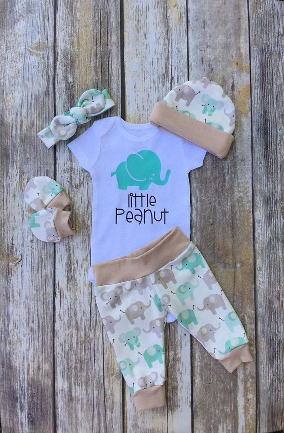 Gender Neutral Coming Home Outfit Little Peanut Baby Set Etsy Baby Girl Onesies Baby Outfits Newborn Baby Sets