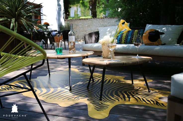 Nouveauté : Tapis Zèbre vinyl intérieur et extérieur #Pôdevache #design #indoor #outdoor #carpet # perfectplace #terrasse #jardin #homedesign #homeinspiration #homedeco #decoration #picofday