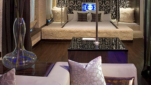 Sweet Suite :: The Ivy Hotel's Star Suite Sports a Stripper Pole || HotelChatter