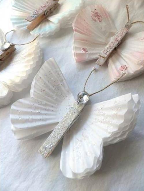 Butterflies with paper cupcake liners. Como fazer Borboletas com forminhas de papel   Cacareco