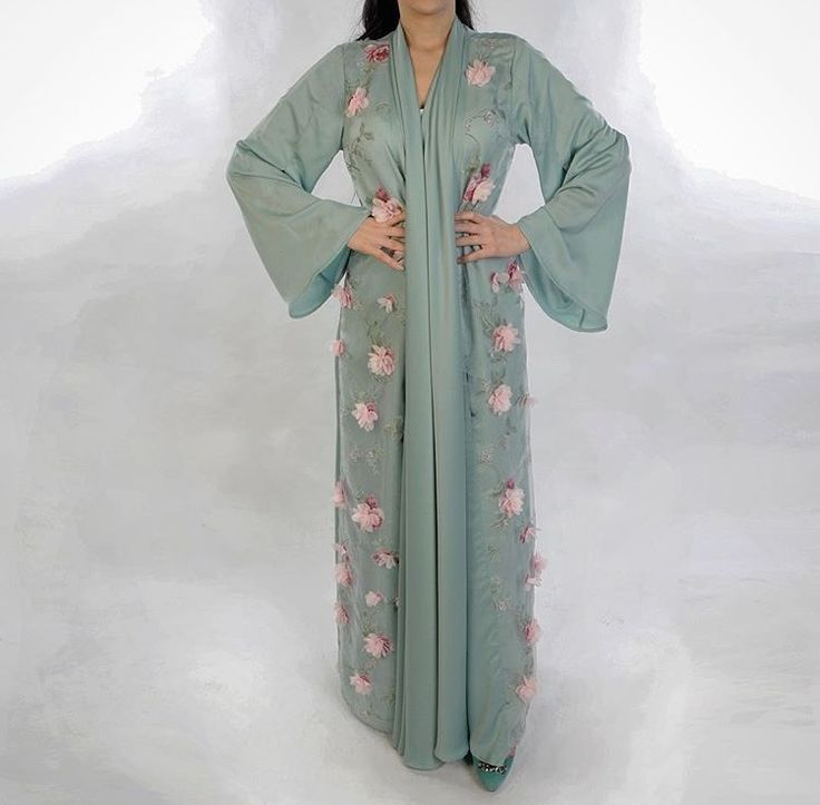 IG: LeaaCollection    IG: BeautiifulinBlack    Abaya Fashion   