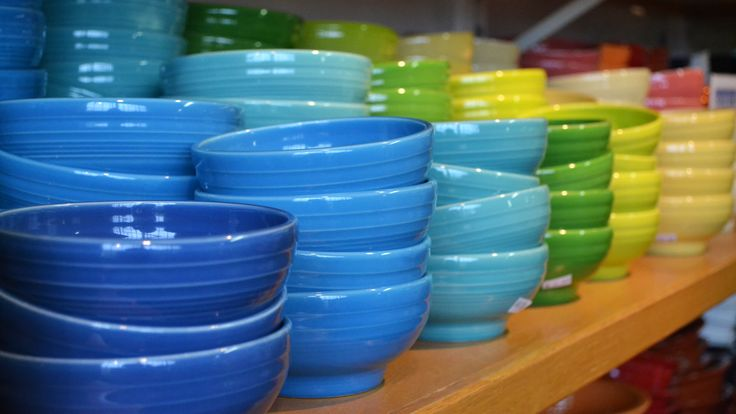 Discount FIESTA dinnerware at Homer Laughlin factory store in Newell Ohio. Union-made : fair trade dinnerware - pezcame.com