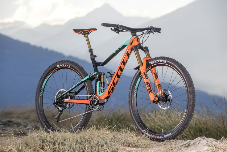 "New 2018 Scott Genius Can Run 27.5"", 27.5+, and 29"" Tires - All on the Same Frame! https://www.singletracks.com/blog/mtb-gear/new-2018-scott-genius-can-run-27-5-27-5-29-tires-frame/"