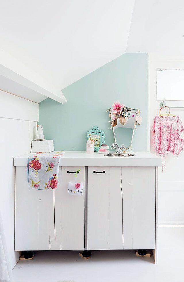 Wastafelkastje - Sink cabinet Kijk op www.101woonideeen.nl #tutorial #howto #diy #101woonideeen #wastafelkastje #sinkcabinet