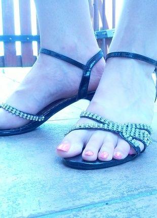Kup mój przedmiot na #Vinted http://www.vinted.pl/kobiety/inne-obuwie/9826790-buty-letnie-obcas-diamenty-summer-diamonds-vices-pasek-czarne-srebrne-39-elegance-okazja-tanio