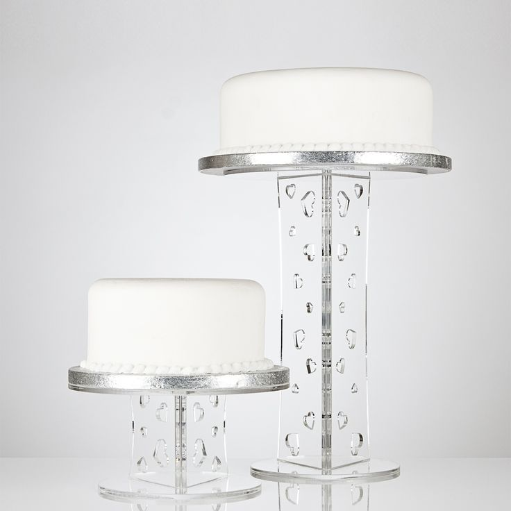 Olivia Clear Acrylic Wedding Cake Stand With Heart Design Column