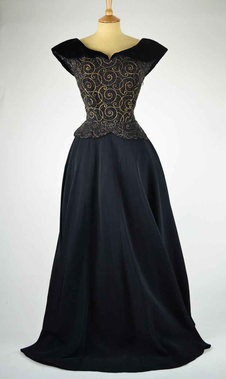 1940s Vintage Evening Dress Black Grosgrain and Velvet
