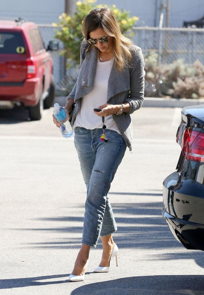 Jessica Alba wears her white heels effortlessly