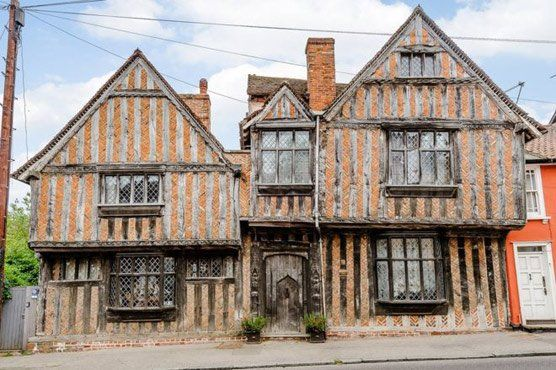Harry Potter's cottage up for sale     Last Updated On  16 August,201712:24 pm   The house has been named after the De Vere family – the second richest family in the county after the king in medieval times. Photo: BBC   (Web Desk) – A 14th ...   Last Updated On  16 August,201712:24 pm The house has been named after the De Vere family – the second richest family in the county after the king in medieval times. Photo: BBC  (Web Desk) - A 14th Century cottage in Suffolk used as the…