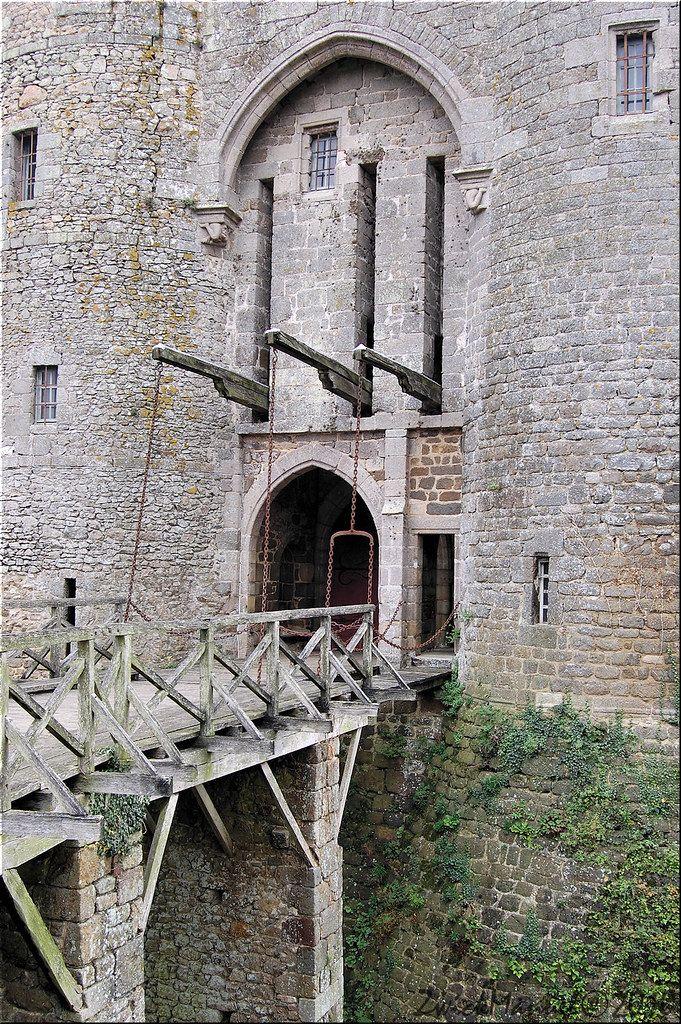 Castles of France Châteaux de France Page 14