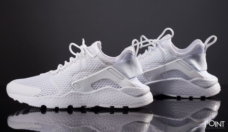 Zapatillas Nike Air Huarache Run Ultra Br Triple White, disponibles en la #tiendaonline de #zapatillasneakers #ThePoint la nueva entrega del modelo de zapatillas #NikeAirHuarcheRun , esta vez llamada por #Nike #AirHuaracheRunUltraBr , mas ligera y con un gran poder de transpiración, vista #ThePointSelectedSneakers y hazte con tu par, http://www.thepoint.es/es/zapatillas-nike/1773-zapatillas-mujer-nike-air-huarache-run-ultra-br-triple-white.html