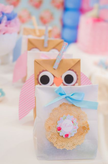 Treat bags at an Owl Party #owl #partyfavors
