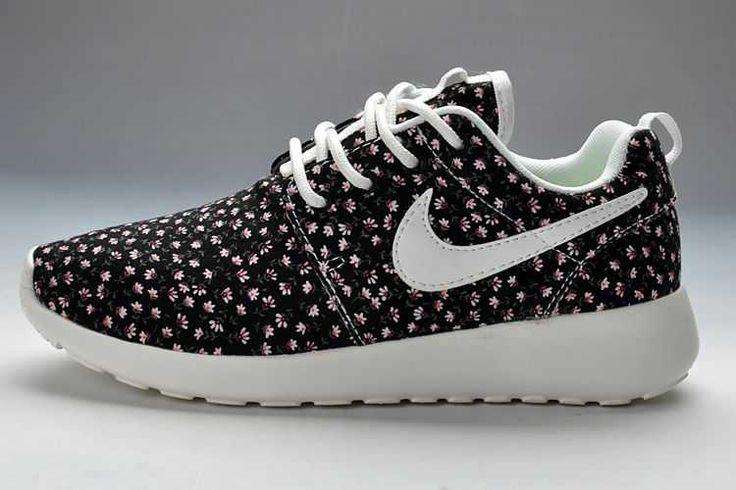 Really Nike Roshe Run Pattern Womens Black Flowers Black Friday