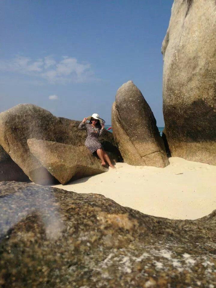 What a beautiful stone! Isnt it?? #belitongbeach #iloveindonesia