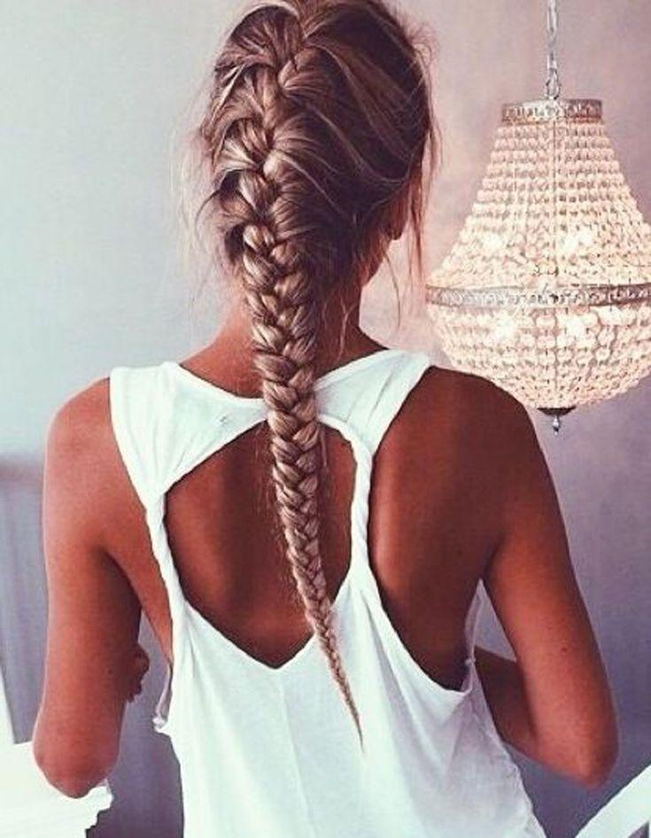 Coiffure cheveux attachés facile hiver 2015